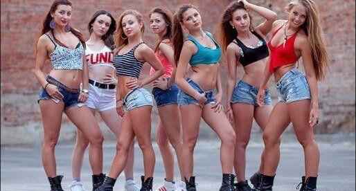 Booty dance от студии «Fraules»: новые видео