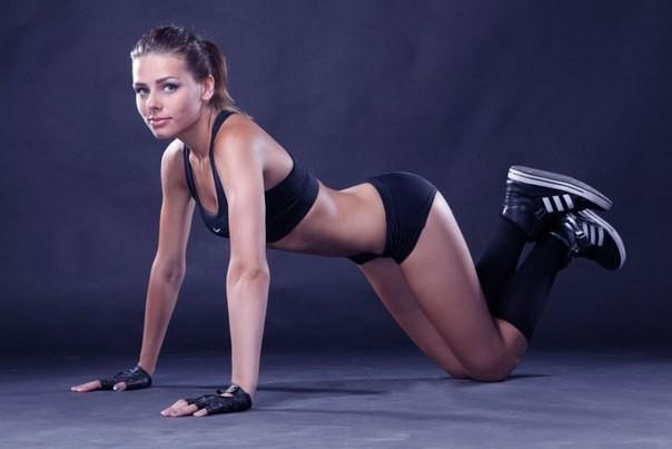 Уроки фитнеса от Катерины Буйды: «Стройные бедра и упругие ягодицы»